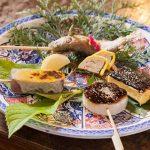囲炉裏を囲んで料理ができるまでのんびりと♪熊本の田舎で楽しむ「高森田楽」