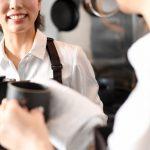 初めての飲食求人への応募、ホールとキッチンどっちがいい?